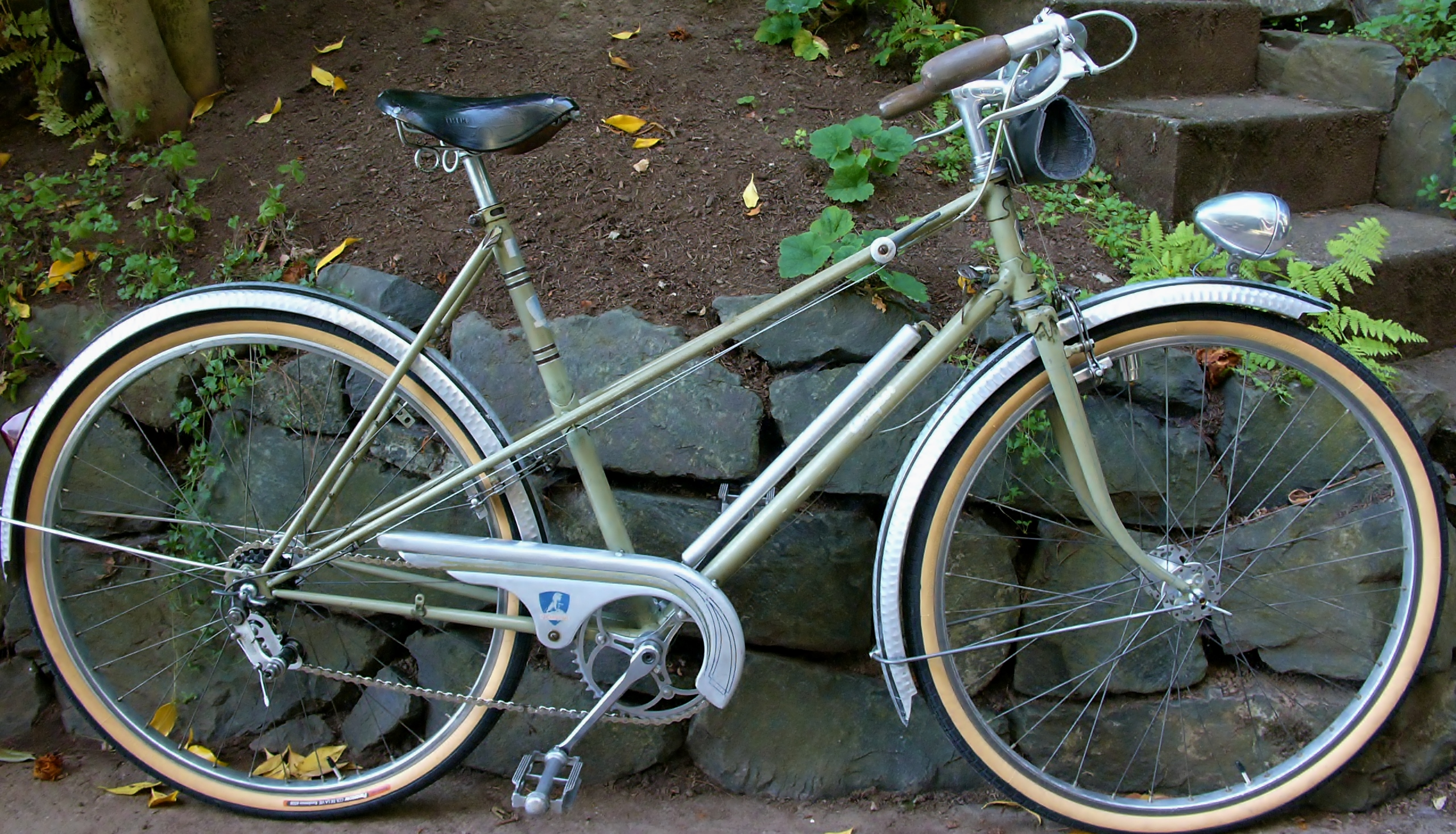 Peugeot bicycle   Restoring Vintage Bicycles from the Hand