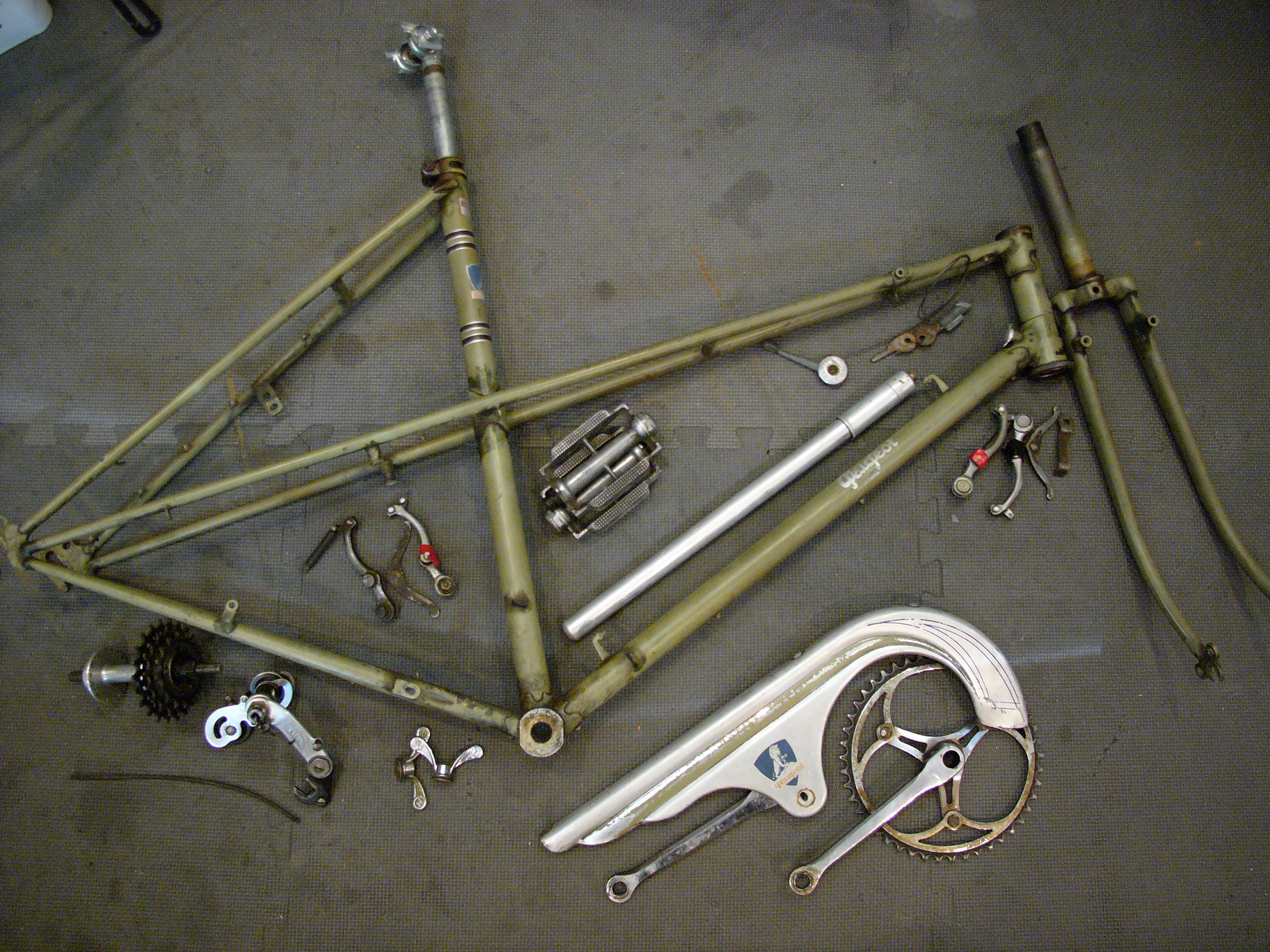 peugeot vintage bicycle | restoring vintage bicycles from the hand